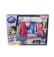 Igračka HASBRO A7942, Littlest Pet Shop, Let's Start The Show, modna pista, set